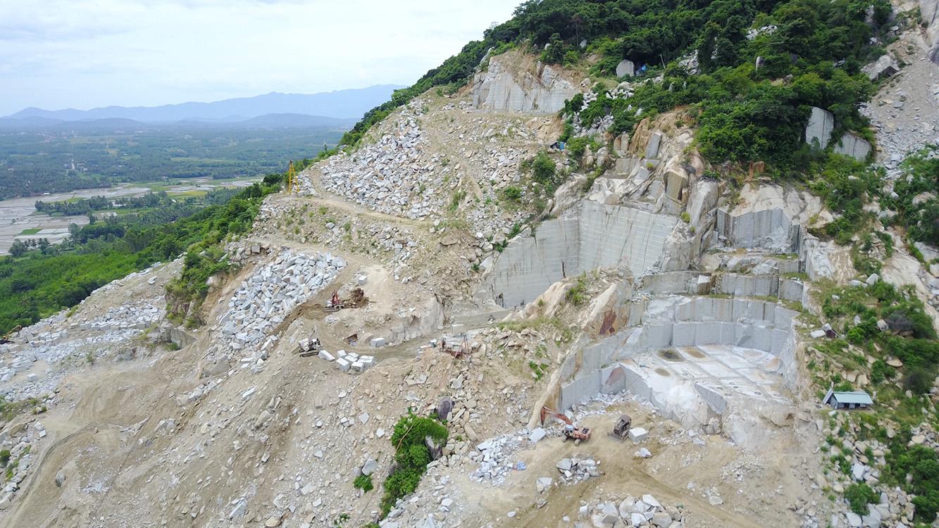 Mỏ Phù Cát - Đá Granite Tím Hoa Cà